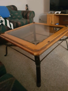 Coffee Table and 2 end Tables Great Condition