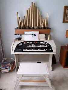 CONN 552 THEATRE STYLE 2 MANUAL IVORY SPINET ORGAN