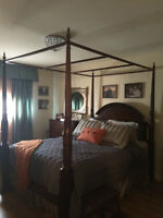 Queen 4-Poster Bed -Mahogany-InclQueenAnne6 drawer-Bombay