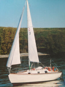 26' Contesa withsails, trailer and motor