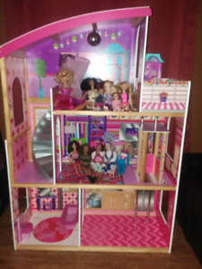Kid kraft doll house with Accessories