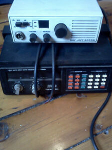 Realistic 20 channel pro 2020 scanner and cb radio