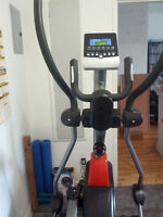 Elliptical bought new at Fitness Dépôt - Delivery included