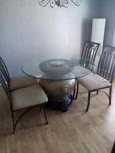 Beautiful table and chair set $150