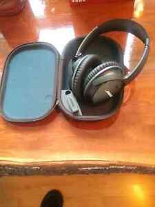 BOSE Noise Cancelling HEADPHONES NEW IN TRAVEL CASE