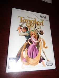 Disney Tangled - Wii (includes poster)