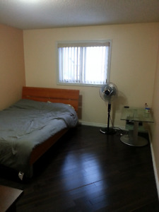 Master Bedroom for Rent $625/mo.