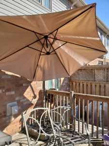 Large Patio Umbrella with Base!! (no weights)