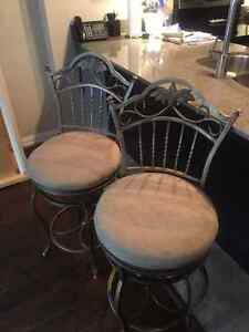 swivel bar stools /kitchen stools good shape