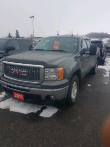 2011 gmc sierra 1500 112000kms extended cab!