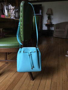 100% Authentic Kate Spade Specialty Bag.
