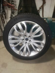 Land Rover tire and rims