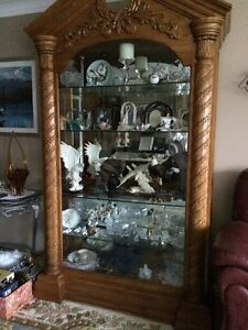 BEAUTIFUL OAK CHINA CABINET  PRICE NOW $600.00 Cambridge Kitchener Area image 2