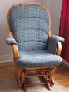 Chaise bercante en bois dur - Rocking chair / glider hard wood