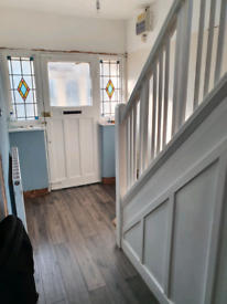Flatpack and laminate floor fitters