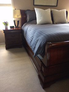 King-size 6 pce Bedroom Suite
