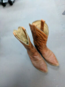 Western boots around size 9 can't see the size