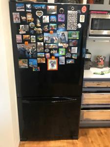 Bottom freezer refrigerator Kenmore 33''