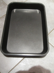 FAMILY-SIZED NON-STICK 10 in. x 14 in. SPARE-RIB OVEN PAN