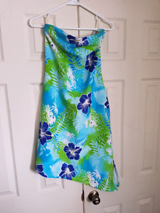 Two Pelican Cover Dresses Size M