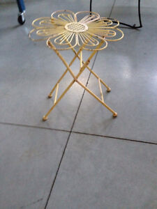 Antique Accent Table - very Unique! London Ontario image 4