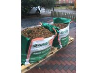 Mixed gravel - ideal for patios and gardens