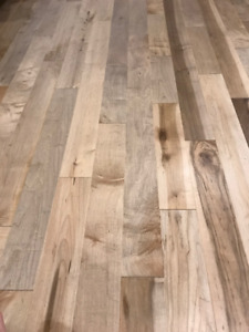 Solid Canadian Maple Hardwood flooring - 220 sqft - natural