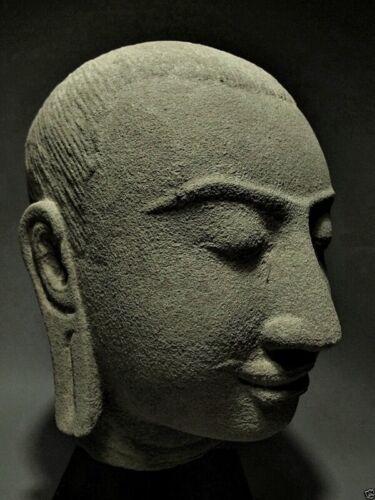 SCULPTURE KHMER SANDSTONE HEAD BUDDHA KING JAYAVARMAN FIGURE