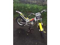 Beta 250cc Rev 3 trials bike