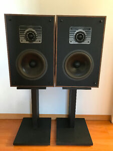 Beautiful Vintage Mirage Speakers Model 350 - Great condition