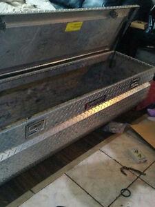 Challenger Deflecta Alluminum Box