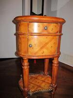 Jolie table vintage vraiment belle