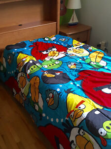 Douillette d'´Angry bird lit simple