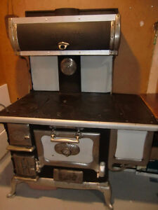 Antique McLarey Regina wood Cookstove