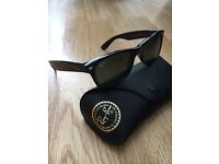 RayBan Wayfarer black with carry case