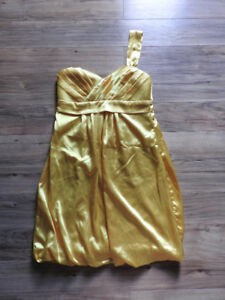 Mustard yellow LE CHATEAU dress (fits medium) - only $12!!