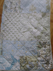 Pottery Barn Cottage Shabby Chic twin quilt blue green cream