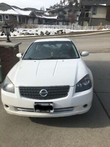 Excellent condition, LOW KMS 2005 Nissan Altima.