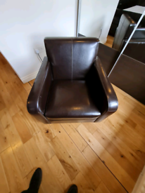 Brown leather tub chair £69 new new condition