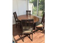 Solid Oak antique table with 4 oak chairs