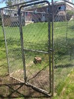 LARGE CHAIN LINK KENNEL OBO