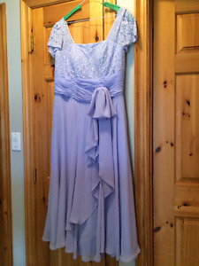 Mother of the bride or groom dress/formal evening wear