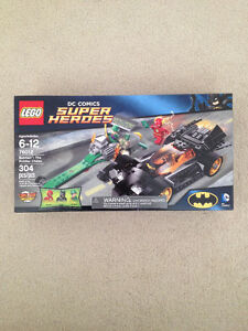 Lego DC 76012 Batman The Riddler Chase BNIB