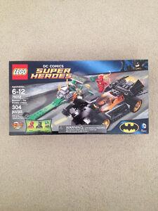 Lego DC 76012 Batman The Riddler Chase BNIB