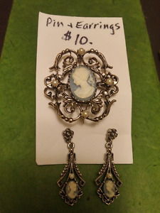 Vintage Style Wedgewood Blue Cameo Pin and Earrings Set