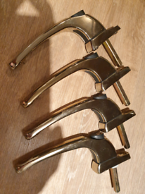 Brass window latches x4 no key in good condition and working order
