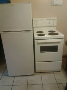 Frig and stove apartment size