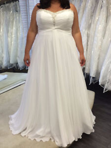 Alfred Angelo Plus Size Wedding Dress For Sale!!!!!!!!!