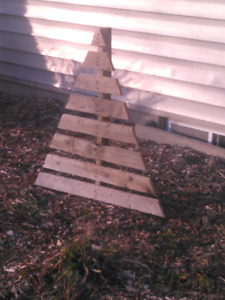 Wooden xmas trees for lawn or garden