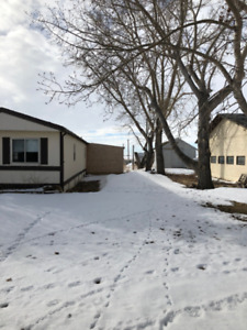 MOBILE HOME FOR SALE $38,000 / LOT RENT FOR $520 MONTHLY !